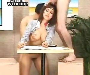 La présentatrice du télé-journal se fait fourrer