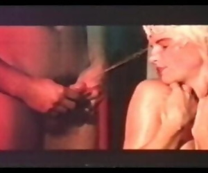 Douche dorée pour la Cicciolina