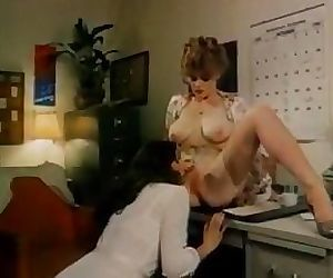classic lesbians screw the stars scene 2