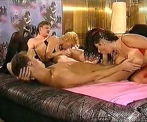 Titten und Analfick full movie 1993 with busty Tiziana Redford