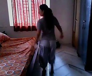 Indian Wife fucked by Driver - 1 min 38 sec