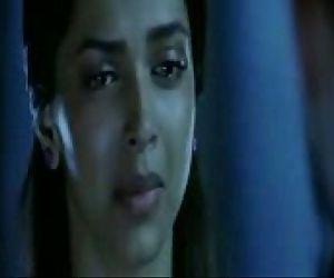 Deepika Hot Kiss - 56 sec