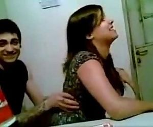 MMS-SCANDAL-INDIAN-TEEN-WITH-BF-ENJOYING-ROMANCE-New-Video - 1 min 33 sec