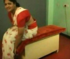 Indian Home made పనిమనిషిని దెంగడం..