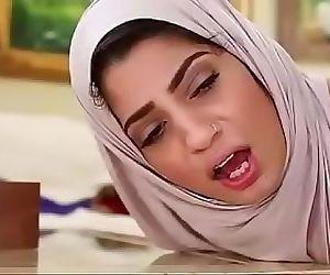 Desi BHABHI Cumshot Facial hijab paki randi nri muslim interracial 30 sec