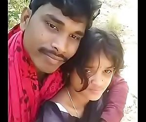 desi village girlfriend and boyfriend kiss enjoying secret meeting 2 min