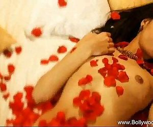 Making me horny for an Indian babe - 13 min