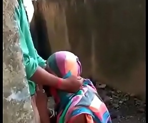 Indian public blowjob and cum in mouth 15 sec