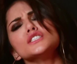Pink Lips and Desi Look - Sunny Leone PMV