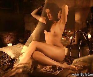 An Arousing Bollywood Ritual