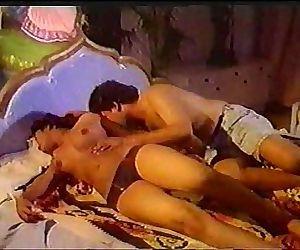 Vintage Mallu Classic 1 Amudha hot.MPG 2 min