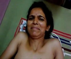 Indian sex - Sexy Indian girl begs her lover to not to cum on her face, Hindi audio - 1 min 20 sec