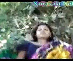 Desi girl fucked outdoor - 2 min