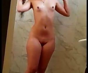 Desi beauty bath awsm - 56 sec
