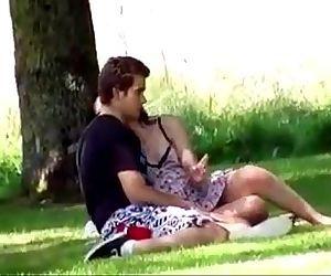 desixxxgirl.com-Indian Desi Girl Outdoor Romance mms - 7 min