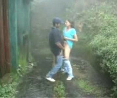 www.indiangirls.tk Indian girl sucking and fucking outdoors in rain - 5 min