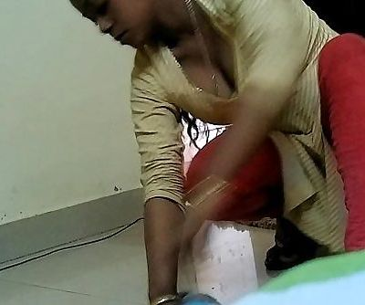Desi Maid Cleavage show - 1 - 2 min