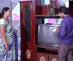 Desi Aunty Romance with cable boy 6 min