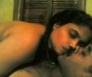 INDIAN - Malayali Aunty shearing Heat with Husband