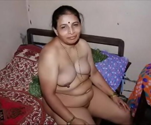 Indian Milf 49 sec