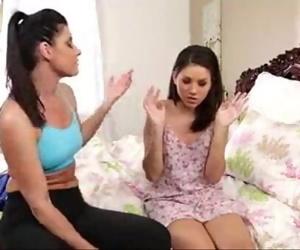 xvideos19.netIndia Summer & Shyla Jennings Lesbian 6 min