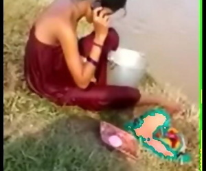 DESI BHABHI BATH OPEN PLACE 2 min
