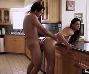 Amazing milf pounded by her horny stepson 6 min 720p