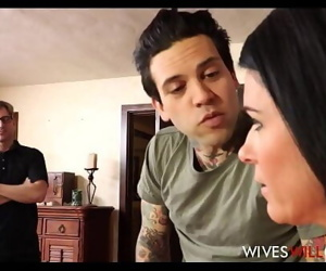 Hot Brunette MILF Stepmom India Summer Caught Cheating On Husband With Their Son 8 min 720p