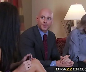 Skinny milf (India Summer) cheats on her husband (Johnny Sins)BRAZZERS 8 min 720p