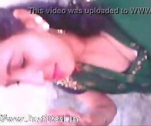 Indian Bhabhi Blowjob With Hindi audio 11 sec