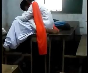 Indian boyfriend and girlfriend make love at highschool 14 sec