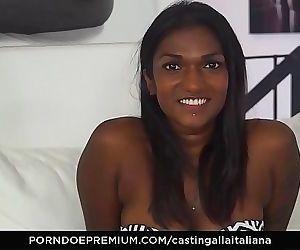 CASTING ALLA ITALIANAInterracial MMF threesome with gorgeous Indian babe Maya Secret 10 min