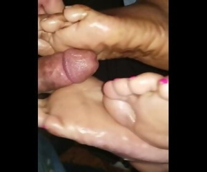 My friend brung a friend double 1st solejob cumshot
