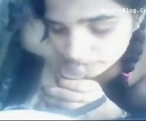 Bengaluru college girl fucking with 2 boys outdoor