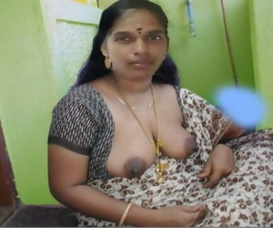 Indian Aunty Boobs Show