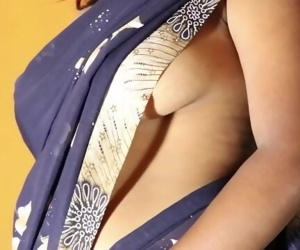 How To Wear Saree Without Blouse & Bra