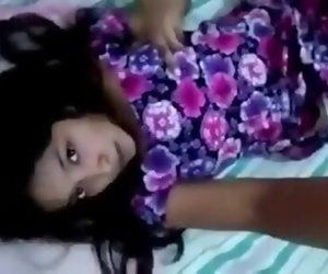 Sri Lankan Cute girl Squirt