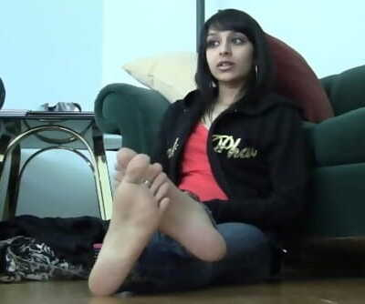 Indian desi sexy soles show