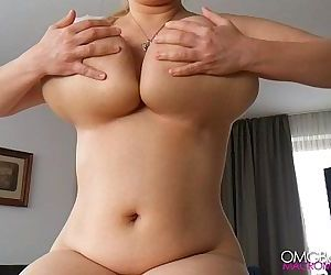 Swinging saggy russian mom - 33 sec HD