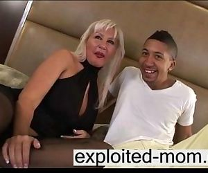 Mature milf with big tits does blac kcock - 4 min