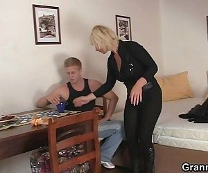 He helps mature blonde - 6 min