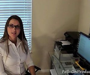 Madisin Lee in Ive Been Thinking About You. Virtual Sex. MILF mom fucks son - 1 min 28 sec HD