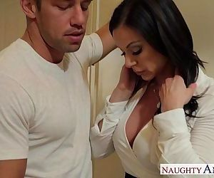 Chesty mom Kendra Lust gets facialHD
