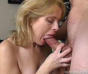 Sexy mature amateur enjoys a long hard fuck