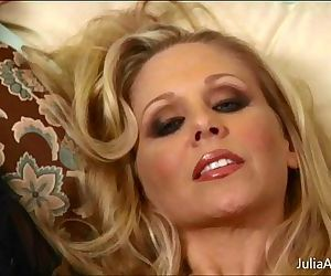 Sexy Milf Julia Ann Cums Hard! - 8 min HD