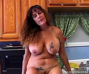 Beautiful big tits MILF is feeling horny - 10 min