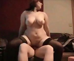 Amateur brunette milf homemade