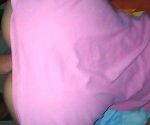 Antes de dormir mi tía quiere que la folle 1 min 24 sec HD