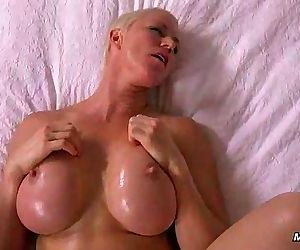 Beautiful Milf pov dp