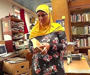 Bookstore owner fucks a happy muslim milf 8 min 720p